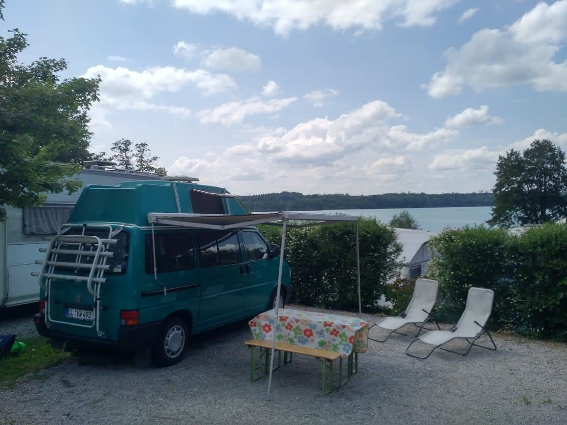 wohnmobil vw camper bulli in landsberg am lech mieten. Black Bedroom Furniture Sets. Home Design Ideas