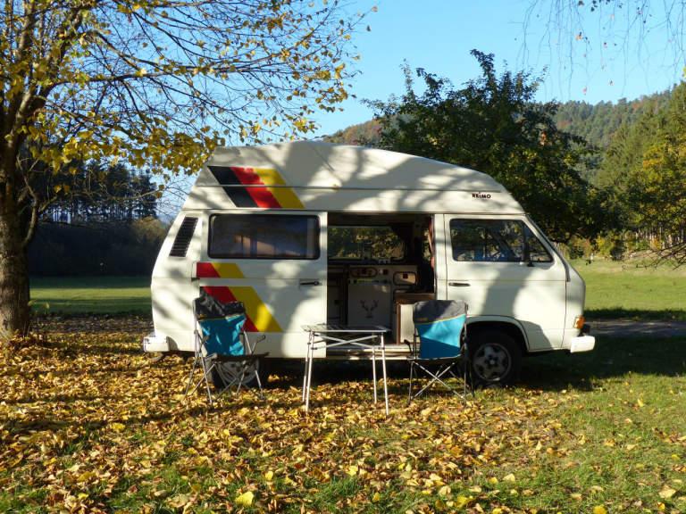 wohnmobil sunny in stuttgart mieten. Black Bedroom Furniture Sets. Home Design Ideas