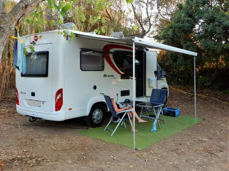 wohnmobil fuchur in f rth mieten. Black Bedroom Furniture Sets. Home Design Ideas