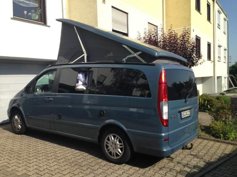 wohnmobil manni der rollende luxusbus in k ln mieten. Black Bedroom Furniture Sets. Home Design Ideas
