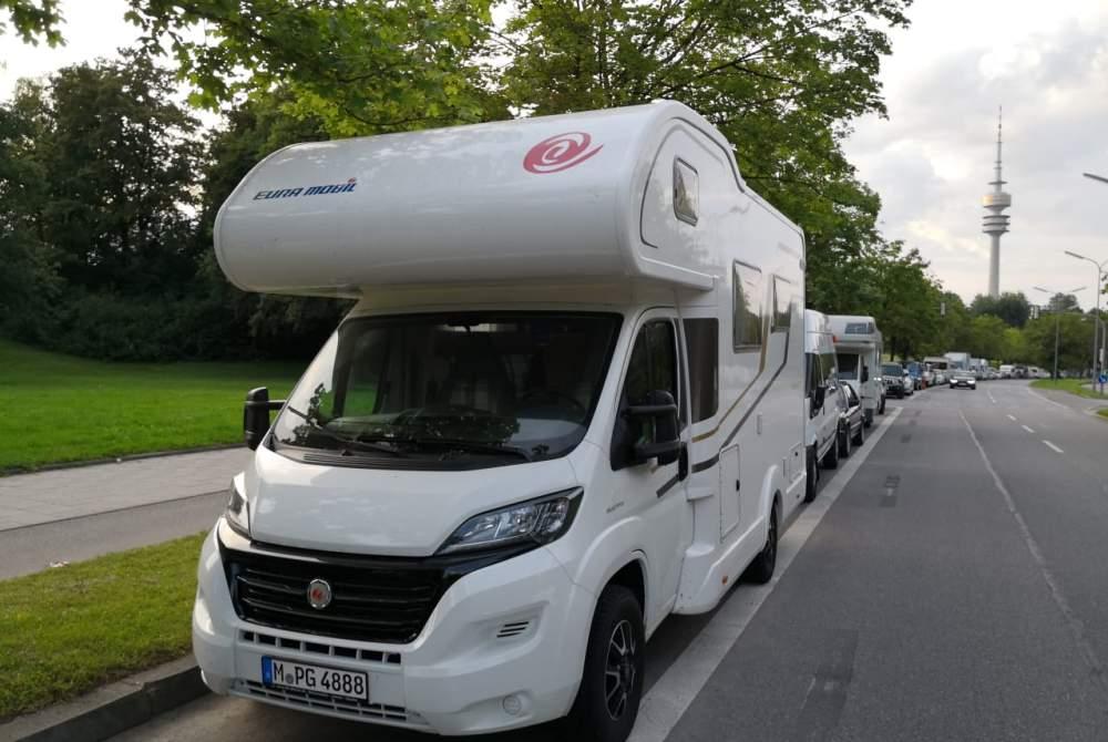 Wohnmobil mieten in München von privat | Eura Mobil Camper am Rande der Welt