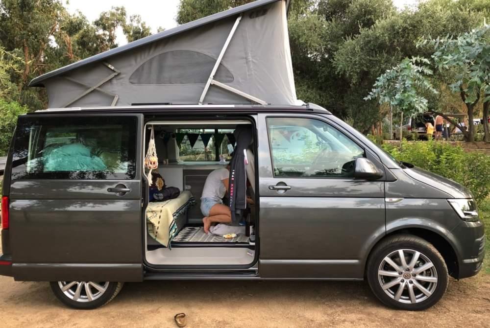 Wohnmobil mieten in Freiburg im Breisgau von privat | Volkswagen California T6  Hugo
