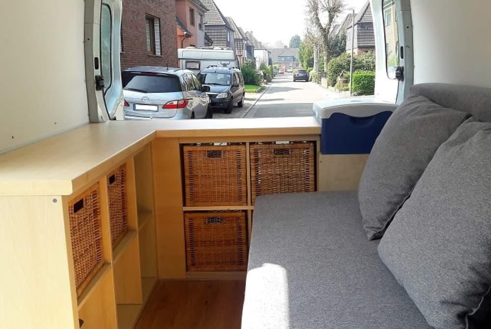 Wohnmobil mieten in Marl von privat | Renault Tore