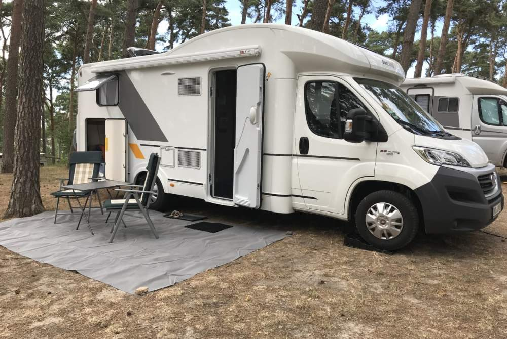 Wohnmobil mieten in Petershagen/Eggersdorf von privat   Adria  Molly