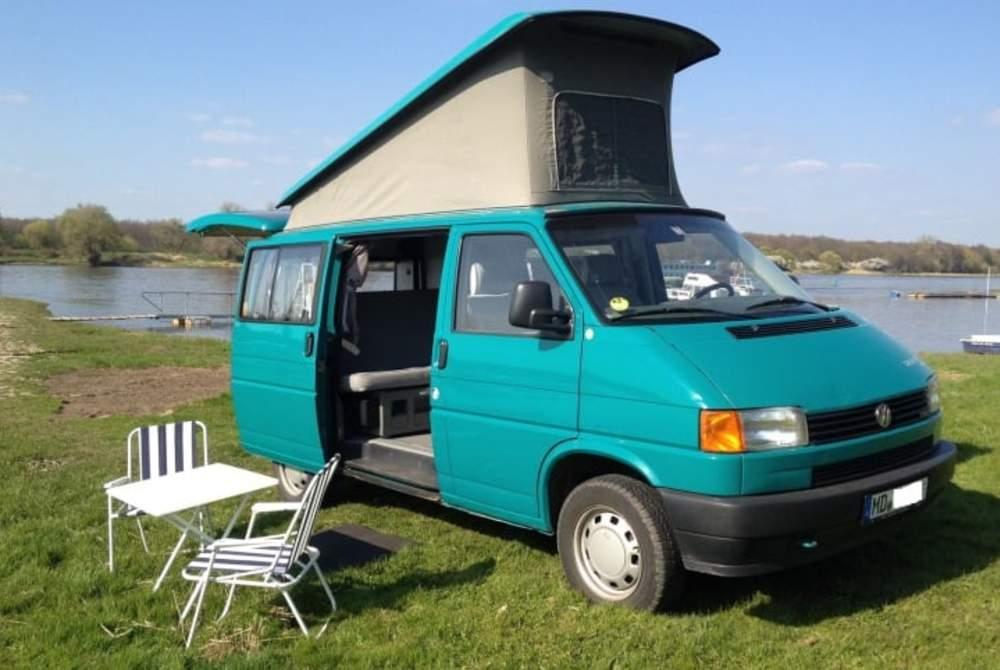 wohnmobil syni ein komfortabler reisebegleiter f r 2 mit stehh he in magdeburg mieten. Black Bedroom Furniture Sets. Home Design Ideas