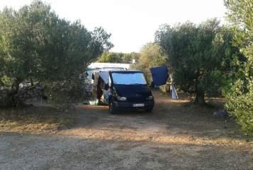 Wohnmobil mieten in Erkrath von privat | Ford Rollin'Home