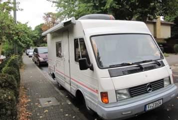 Wohnmobil mieten in Frankfurt am Main von privat | Mercedes Benz  Marta