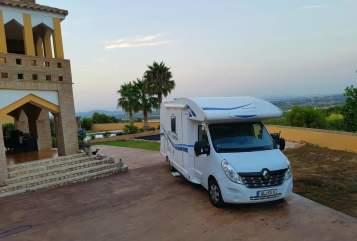 Wohnmobil mieten in Bergisch Gladbach von privat | Renaullt  Master RoadRrunner