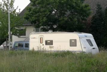 Wohnmobil mieten in Nauheim von privat | Hobby Ella