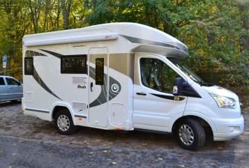 Wohnmobil mieten in Potsdam von privat | Chausson Schnappt Shorty