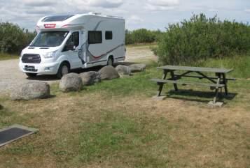 Wohnmobil mieten in Marl von privat | Ford Challenger Levi