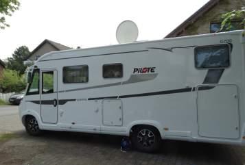 Wohnmobil mieten in Delbrück von privat | Pilot Highlander 1