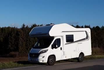 Wohnmobil mieten in Schönkirchen von privat | Weinsberg  Knuth