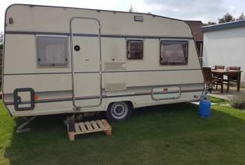 Wohnmobil mieten in Oud Gastel von privat | BUERSTNER Fijne caravan