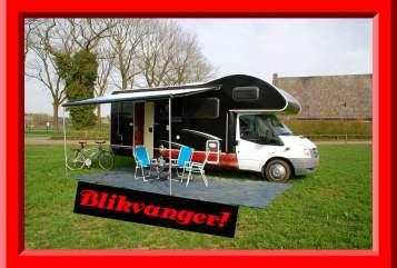 Wohnmobil mieten in Tilburg von privat | Ford Rimor 2 katamarano