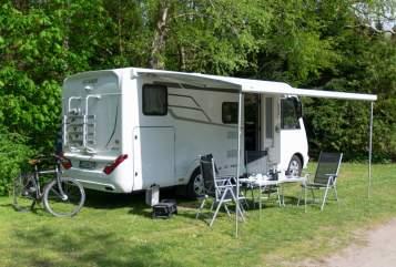 Wohnmobil mieten in Schwentinental von privat | Hymer Luxi