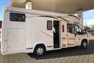 Wohnmobil mieten in Almere von privat | Benimar  Vrijheid