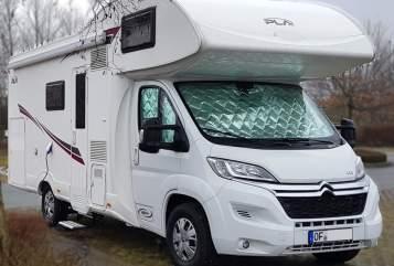 Wohnmobil mieten in Rodgau von privat | P.L.A. Happy 440 neu