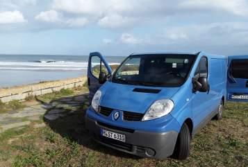 Wohnmobil mieten in Hamburg von privat | Renault  Bavarian Chiller
