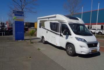 Wohnmobil mieten in Nijverdal von privat | Hymer Carado T348
