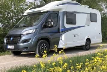 Wohnmobil mieten in Neufahrn bei Freising von privat | Knaus Luca