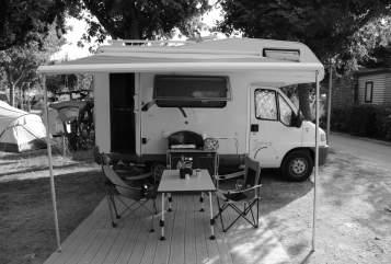 Wohnmobil mieten in Oberhofen im Inntal von privat | Hymer Flocky