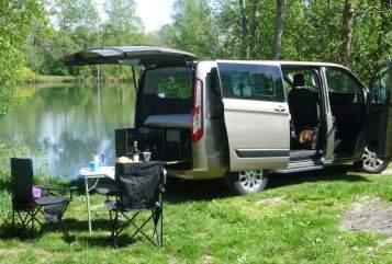 Wohnmobil mieten in Winhöring von privat | Ford Tourneo  LuxusLöwe