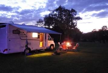 Wohnmobil mieten in Achau von privat | Hymer  Schneckenhaus