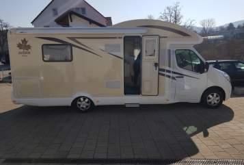 Wohnmobil mieten in Rottenburg am Neckar von privat | Renault Master Ahorn Canada TQ