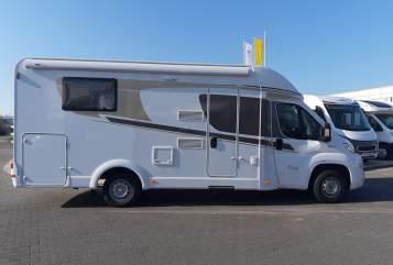 Wohnmobil mieten in Bielefeld von privat | Carado Perla