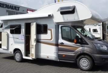Wohnmobil mieten in Bielefeld von privat | Nobelart Deluxe A 8000 Road-Runner