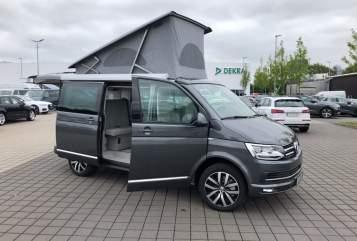 Wohnmobil mieten in Flensburg von privat | Volkswagen Cultcamper