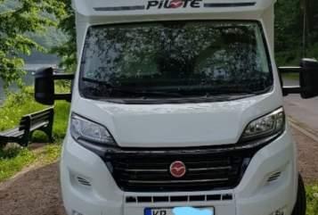Wohnmobil mieten in Schwalmtal von privat | Pilote P746  Familiencamper