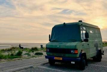 Wohnmobil mieten in De Bilt von privat | Mercedes Benz Stoere 609D