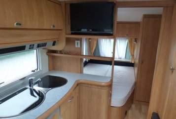 Wohnmobil mieten in Klipphausen von privat | HOBBY Sonnenrain