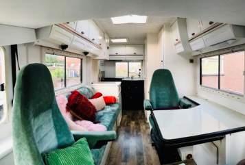 Wohnmobil mieten in Den Haag von privat | Hymer Bella Wanderbus