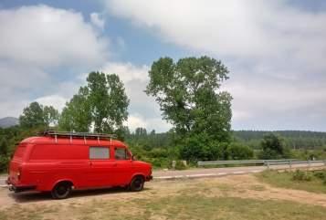 Wohnmobil mieten in Frankfurt am Main von privat | Ford Transit Feuerwehr