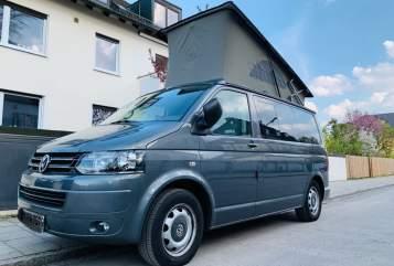 Wohnmobil mieten in München von privat | VW T5 Fluchtwagen