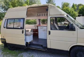 Wohnmobil mieten in Friedrichshafen von privat | VW Sternschnuppe