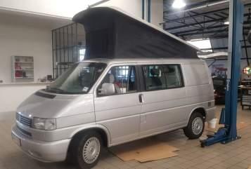 Wohnmobil mieten in Voorburg von privat | VW Camper California Grey