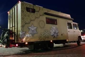 Wohnmobil mieten in Tilburg von privat | Mercedes  FreedomOnWheels