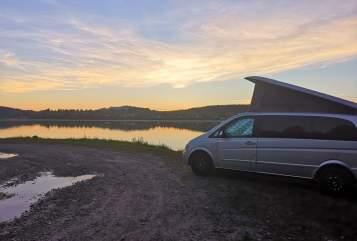 Wohnmobil mieten in Lindenberg i. Allgäu von privat | Mercedes Benz V Mr. Grey