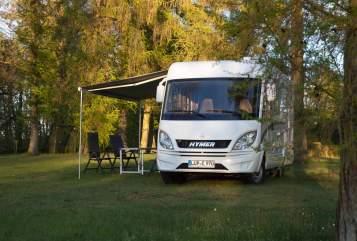 Wohnmobil mieten in Pinnow von privat | Hymer Lupe 970