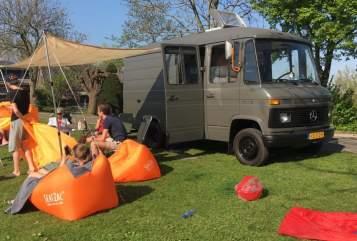 Wohnmobil mieten in Amstelveen von privat | Mercedes Benz Camper Ton