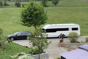 Wohnmobil mieten in Greifswald von privat | Hobby Premium Resort