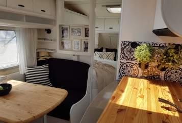 Wohnmobil mieten in Schwerin von privat | Hobby Holly Hobby
