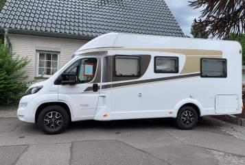 Wohnmobil mieten in Herzogenrath von privat | Carado Sunshinemobil