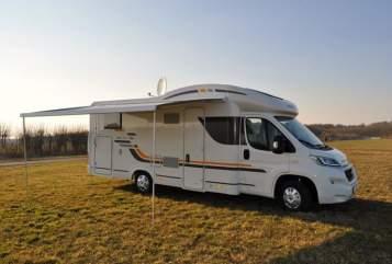 Wohnmobil mieten in Weener von privat | AdriaSun Living Lido M50SL Familliencamper