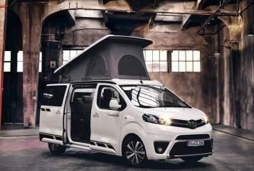Wohnmobil mieten in Hamburg von privat | Toyota Proace Moin Piet