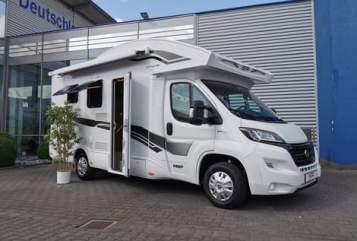 Wohnmobil mieten in Paderborn von privat | XGO Elsen
